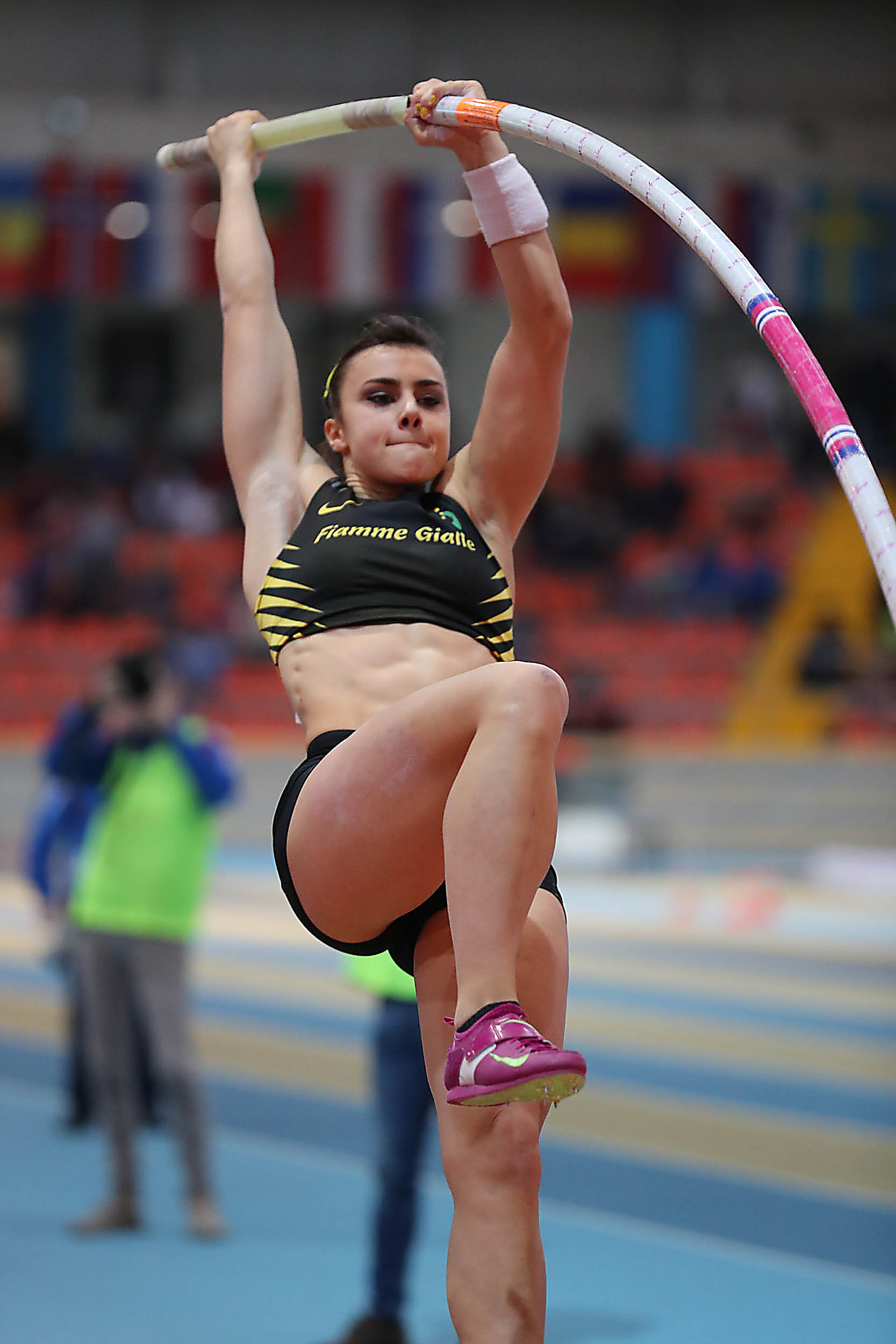 Sonia Malavisi all'esordio nell'asta salta 4,04 in Francia
