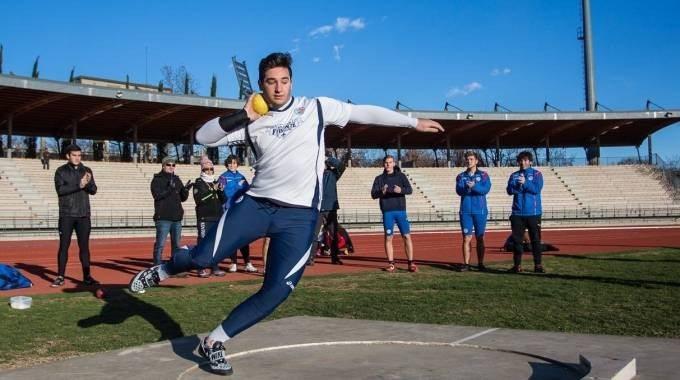 Leonardo Fabbri sfiora i 17 metri a Firenze nel getto del peso