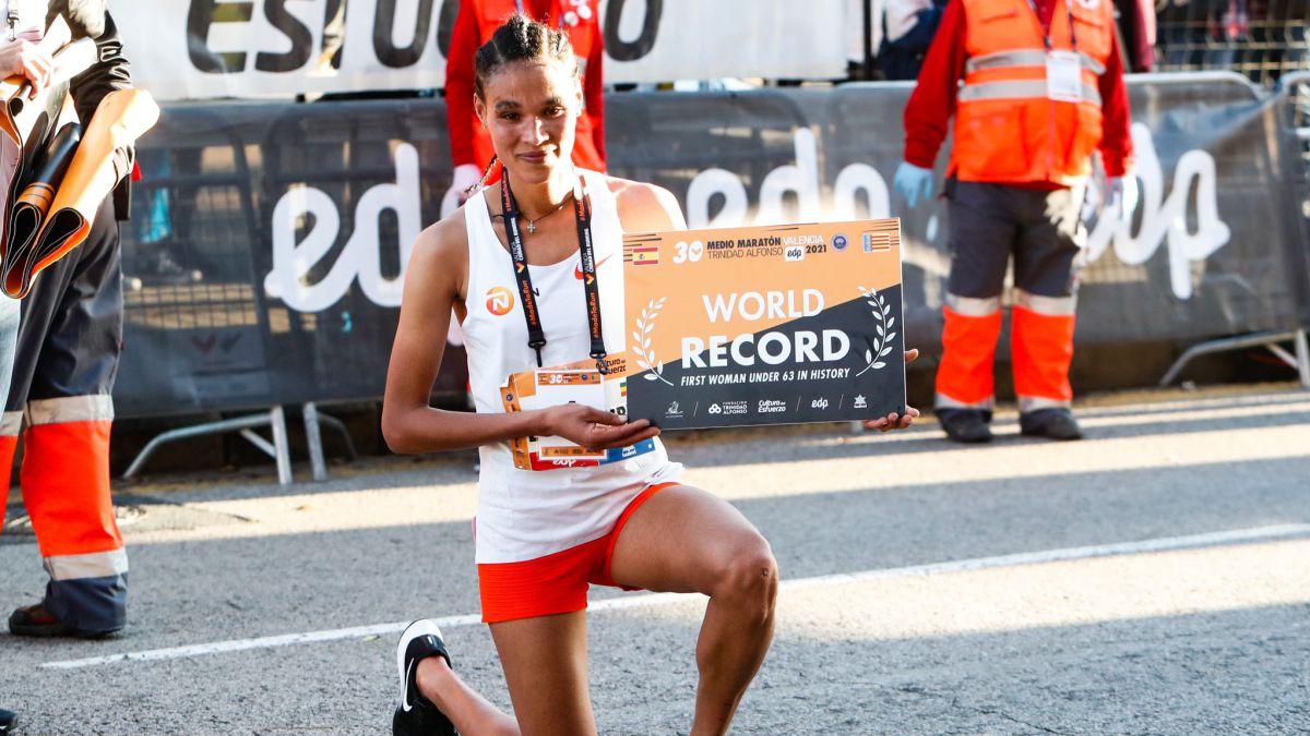 Gidey distrugge il record mondiale femminile di mezza maratona a Valencia