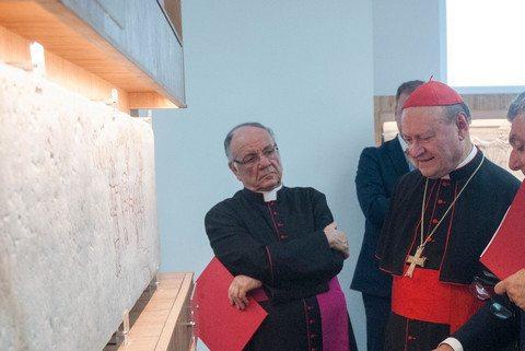 Mons. Giovanni Carrù descrive i restauri delle Catacombe di Domitilla
