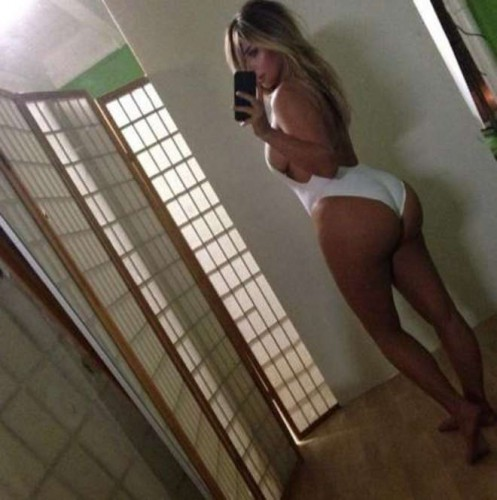 Kim Kardashian senza freno: forme esplosive su Twitter
