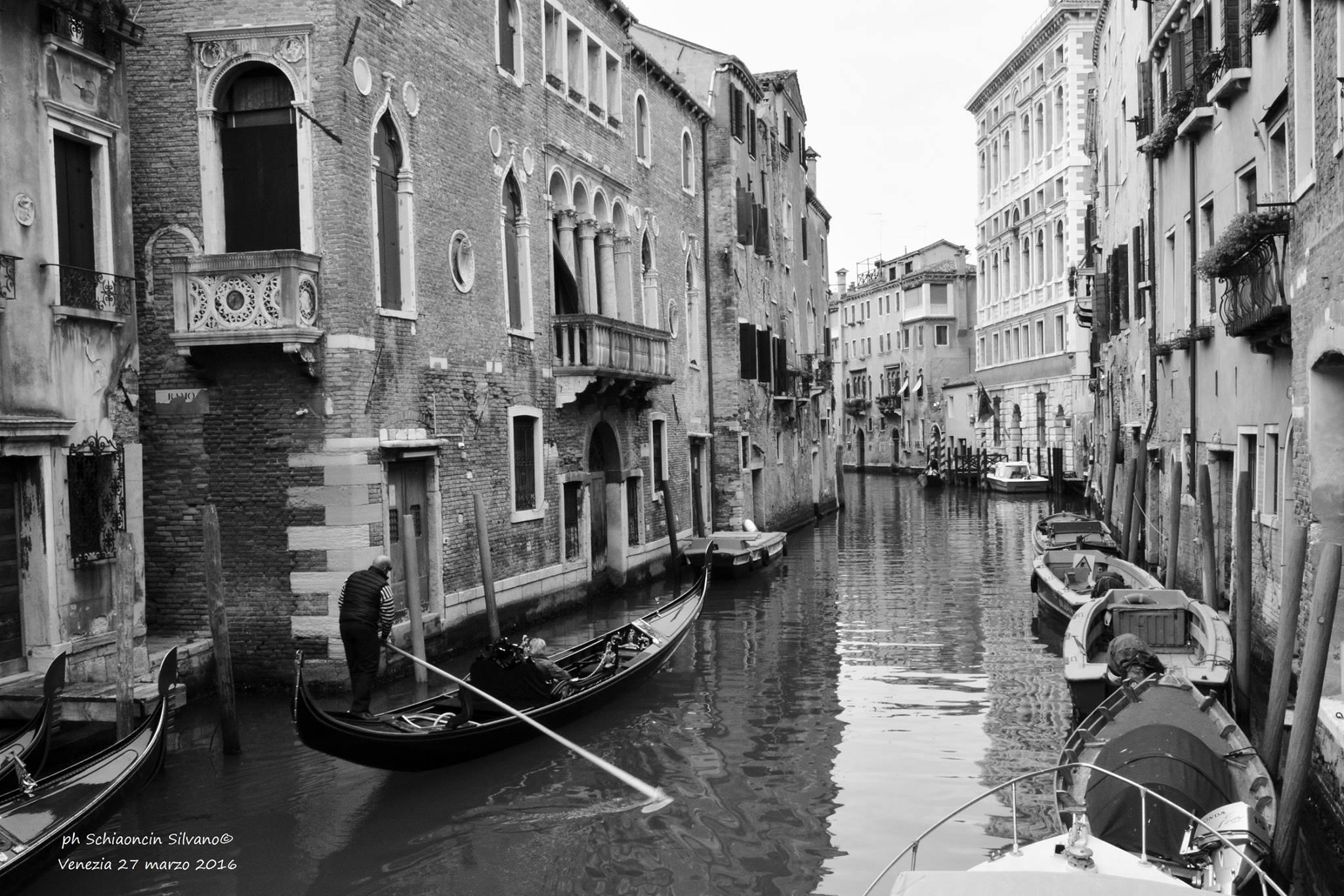 Venezia in bianco e nero: fotografie per la città.