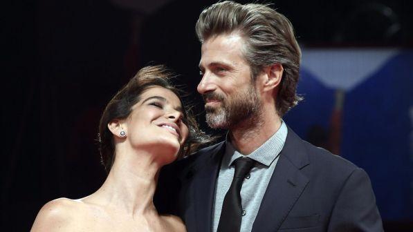 Kim Rossi Stuart e la compagna: l'amore nato grazie a Caterina Balivo, ecco come si sono conosciuti