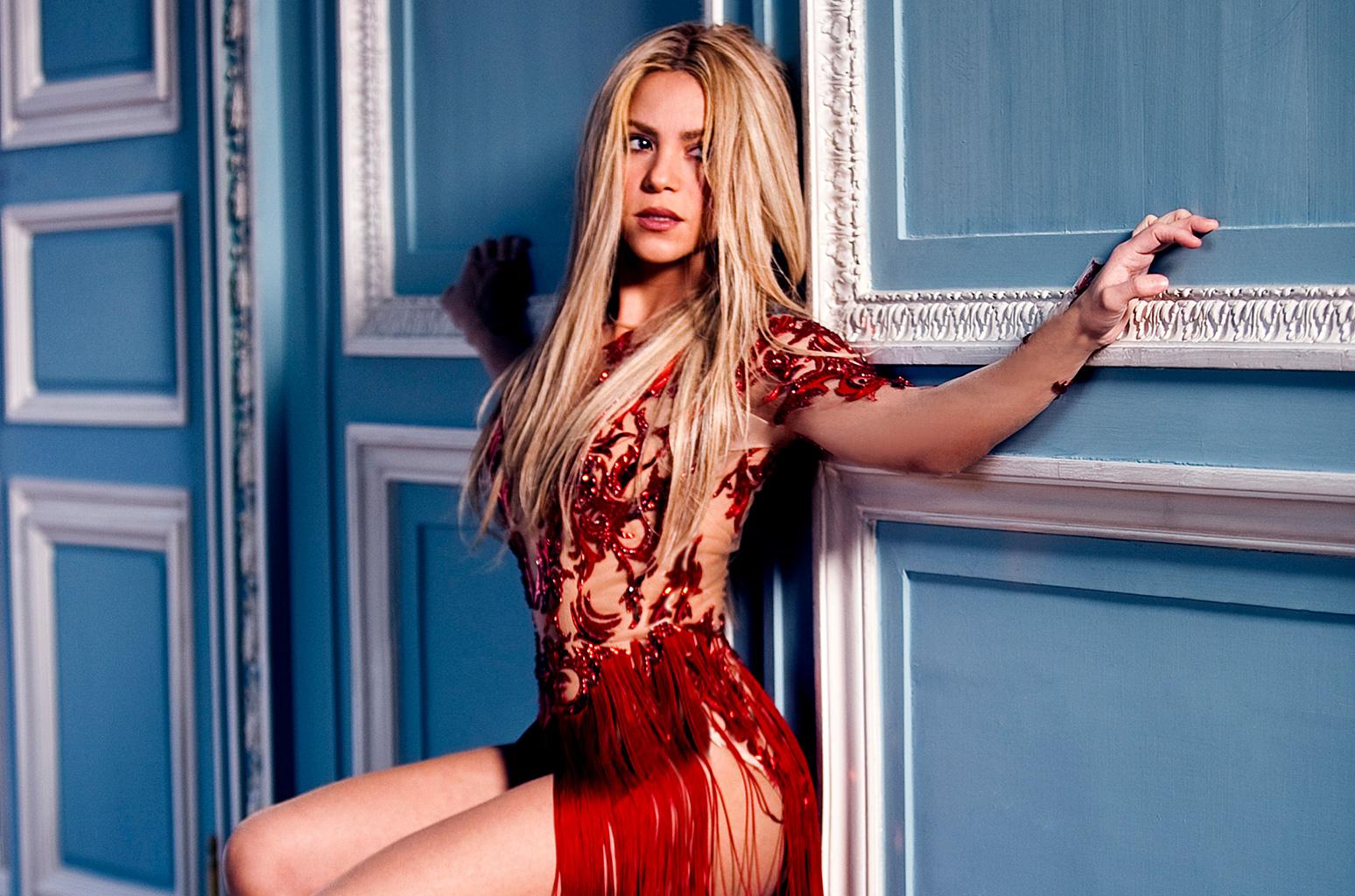 """Shakira: """"Non vado in pensione grazie a Piqué"""