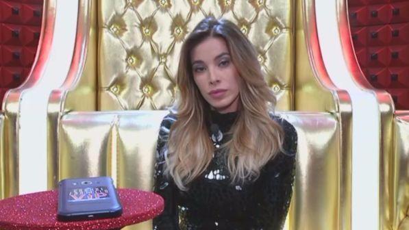 """""""Grande Fratello Vip"""": Aida Yespica lasciata in diretta con una lettera"""