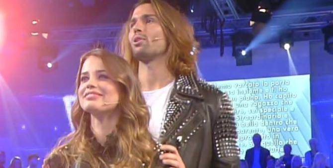 Luca Onestini e Ivana Mrzova sempre più vicini, i due scatenati in discoteca