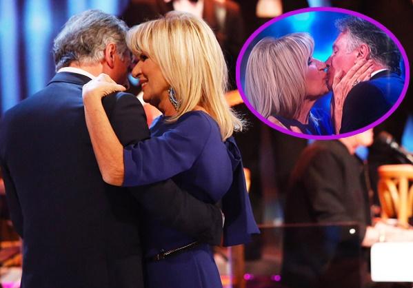 Al Maurizio Costanzo il tenero bacio tra Gemma e Giorgio