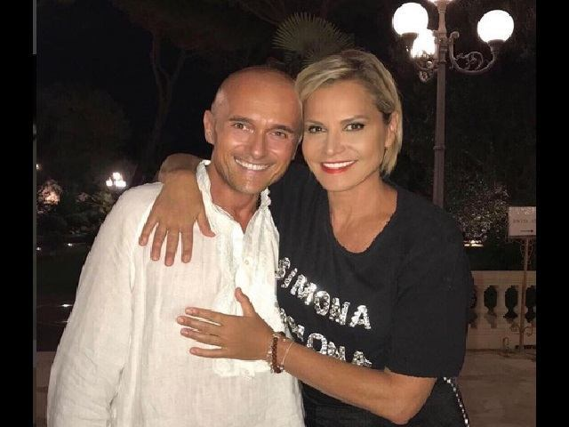 Simona Ventura e Alfonso Signorini fanno pace: «Polemiche e risentimenti sono passati»
