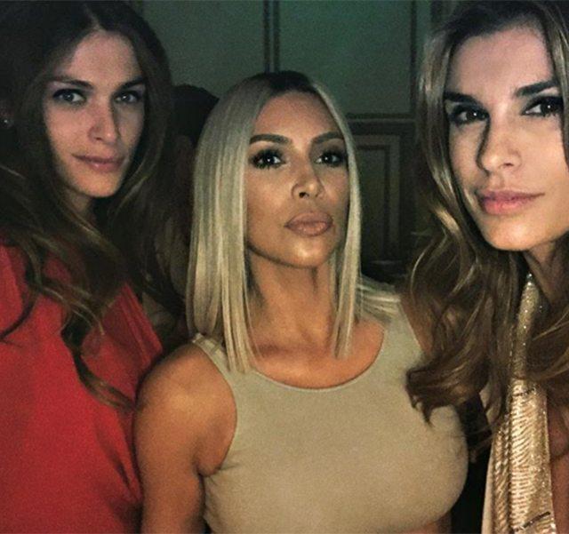 Elisabetta Canalis e le amiche star: eccola con Kim Kardashiuan ed Elisa Sednaoui