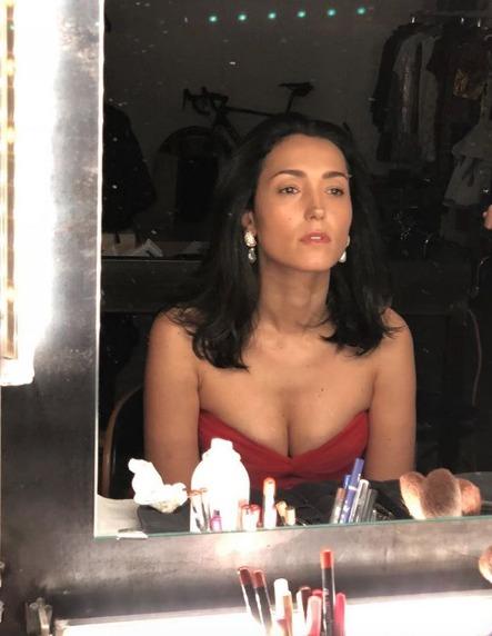 Caterina Balivo e la foto struccata allo specchio. «Non ho mai amato guardarmi...»