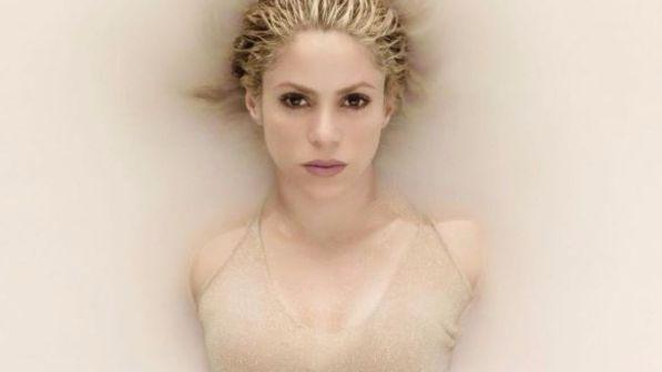 Shakira tutta dorata lancia il nuovo album
