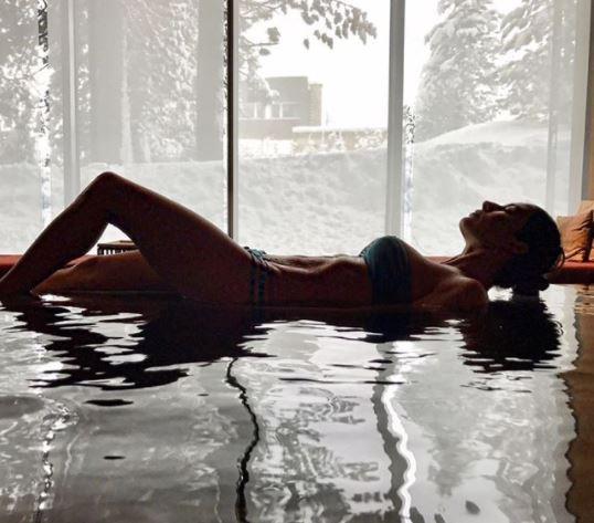 Elisabetta Gregoraci, fisico da brividi nella spa