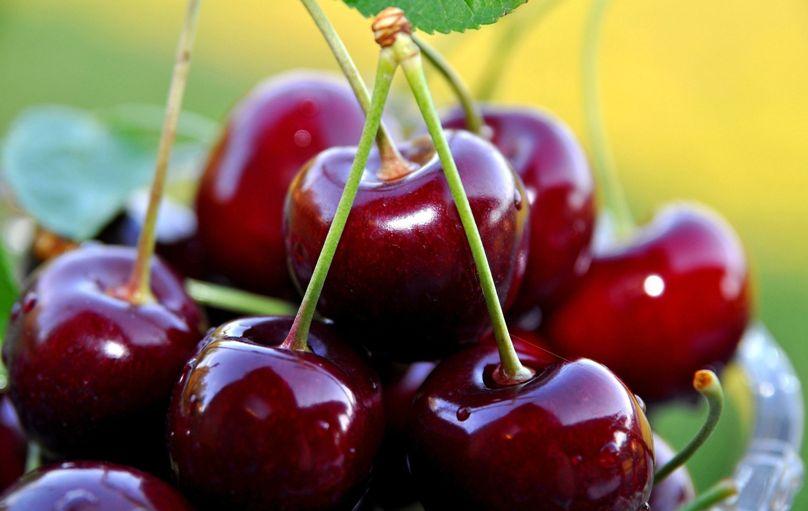 Ciliegie, più belle e in forma con questo frutto rosso passione