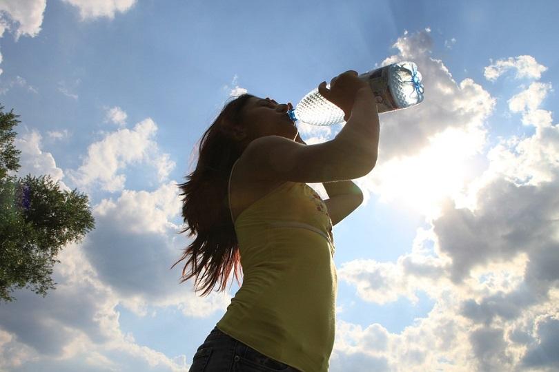 La dieta degli 8 bicchieri d'acqua: ecco come dimagrire