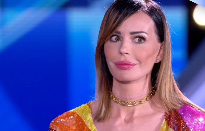 Grande Fratello, Nina Moric: «Prima di accusare le persone sui social riflettete, siete voi marci dentro»