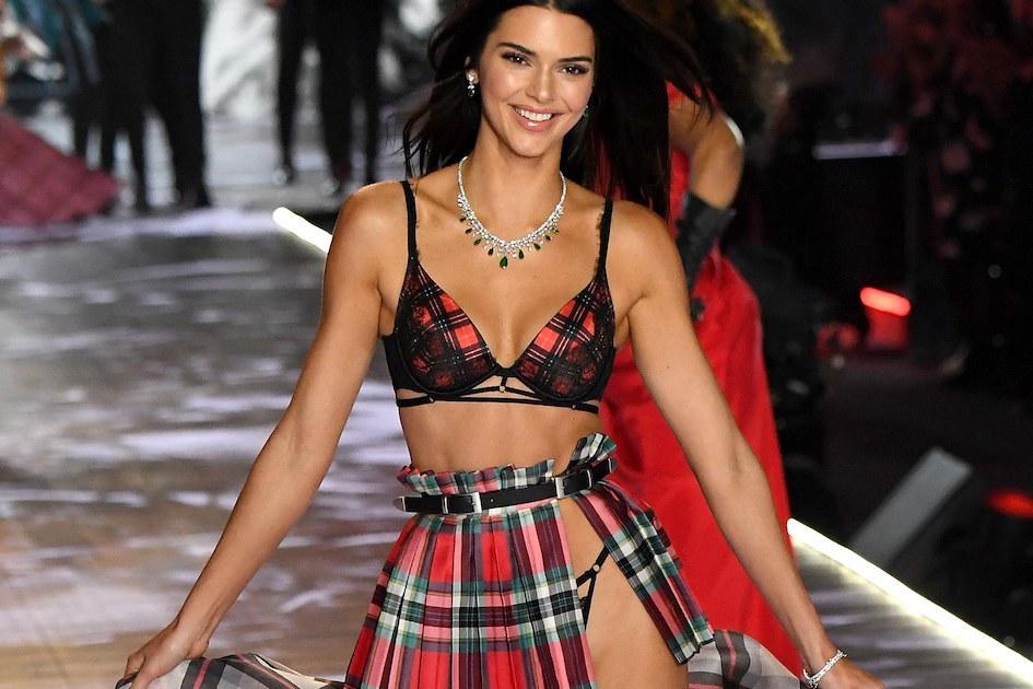 Kendall Jenner è la modella più pagata nel 2018: ecco quanto guadagna la sorellastra di Kim Kardashian