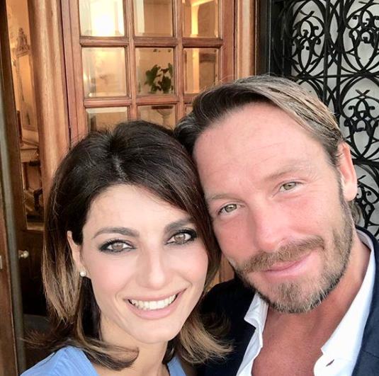 Nozze lampo per Samanta Togni: la ballerina sposa il chirurgo Mario Russo