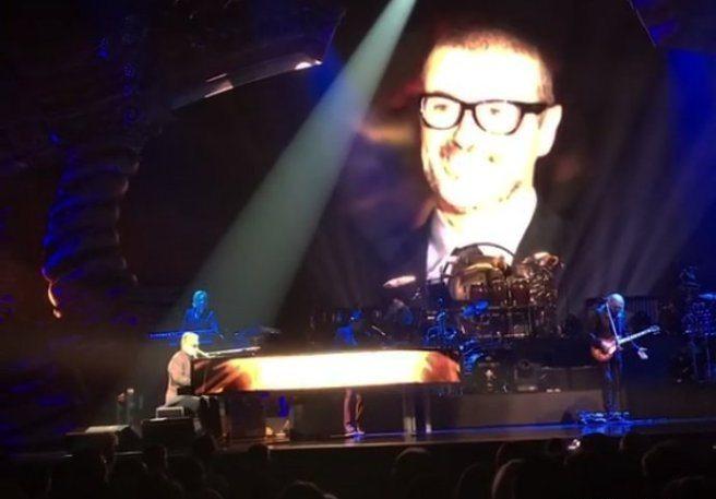 Elton John concerto e lacrime per George Michael