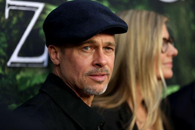 Brad Pitt, dimagrito alla prima del nuovo film