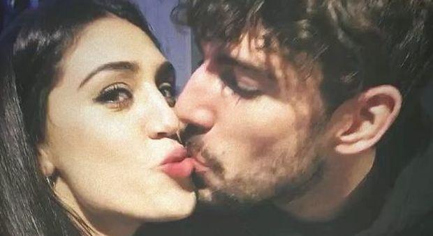 """Belen Rodriguez bacchetta la sorella Cecilia: """"Troppe storie su Instagram con Ignazio"""""""