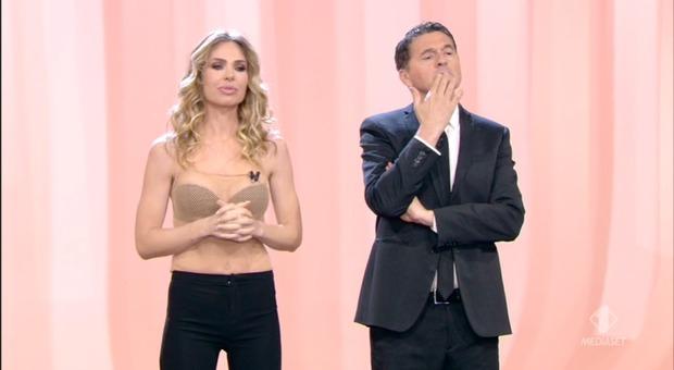 Nadia Toffa assente da Le Iene: è l'ultima puntata, fans in ansia per la malattia