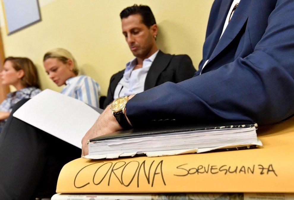 Fabrizio Corona, ancora guai. Il pg: «Torni in carcere, ha diffamato un magistrato»