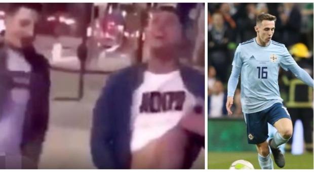 Calciatore ubriaco si masturba in strada: scandalo hard nel calcio