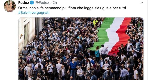 Fedez attacca Salvini e la manifestazione a Roma: «Ormai non si fa nemmeno più finta che legge sia uguale per tutti»