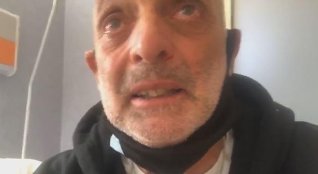 Grande Fratello Vip, Paolo Brosio in lacrime: «Ho avuto il coronavirus, ho visto morire gente in stanza con me»