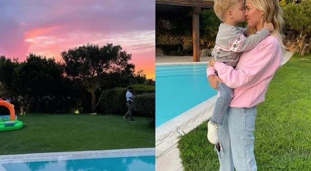 Chiara Ferragni a Porto Cervo, l'affitto da capogiro della villa con teatro, campo da basket e piscina. Fan basiti: «Immorale»