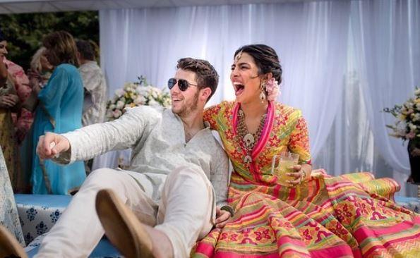 Priyanka Chopra e Nick Jonas si sono sposati: sontuosa cerimonia in India