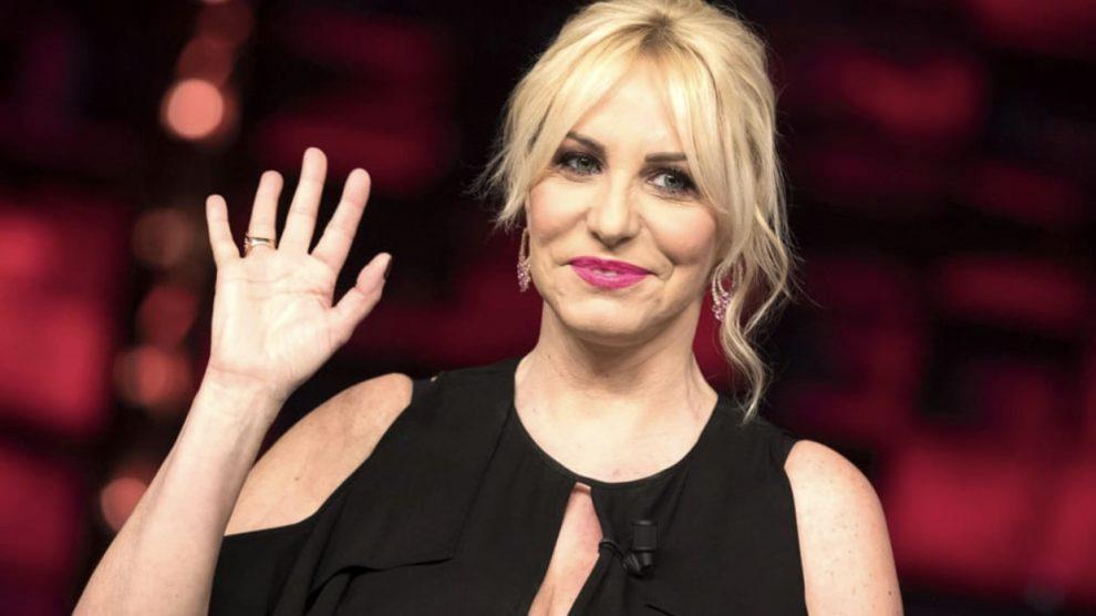 Antonella Clerici attacca la Rai: «Sarò pagata senza lavorare»