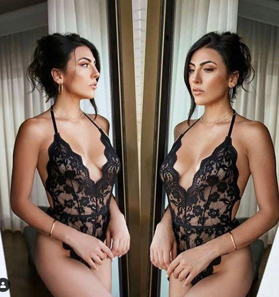 Giulia Salemi single seduce in lingerie di pizzo
