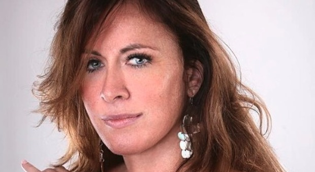 Sassari, donna massacrata a coltellate davanti alle figlie. L'ex diceva: «Mi piacciono le donne dell'Est, le tratto come mi pare»