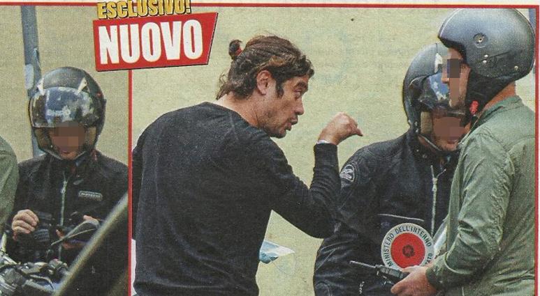 Riccardo Scamarcio fermato dalla polizia in moto: discussione con gli agenti, poi succede che...