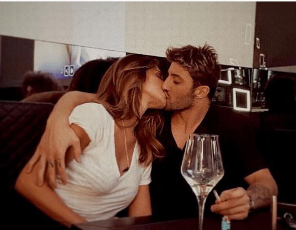 Belen Rodriguez E Andrea Iannone, TOCCATINE H*T CON LA PORSCHE IN DIVIETO DI SOSTA
