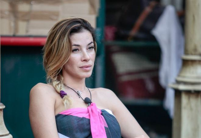Carmen Russo eliminata, Aida Yespica salva