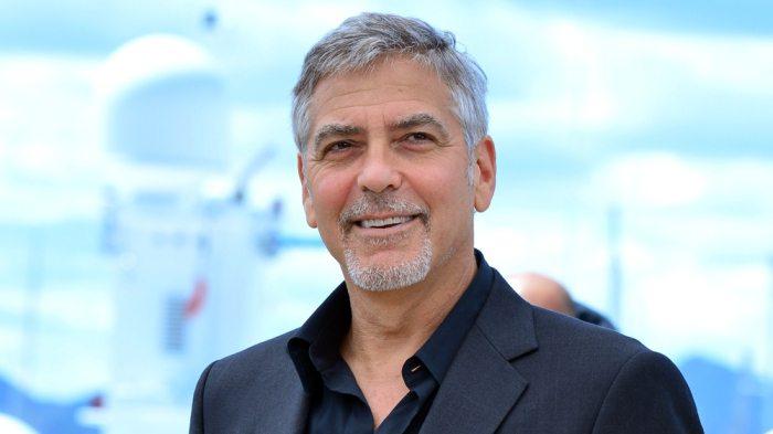 George Clooney, star dal cuore d'oro: aiuta tutti, dal Sudan ai rifiugiati. E agli amici... un milione a testa