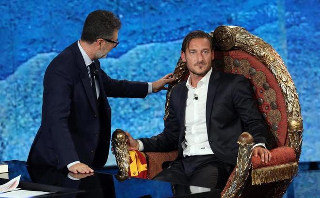 Francesco Totti show a Che Tempo Che Fa da Fazio: «Io imperatore di Roma? Così me metti l'ansia...»