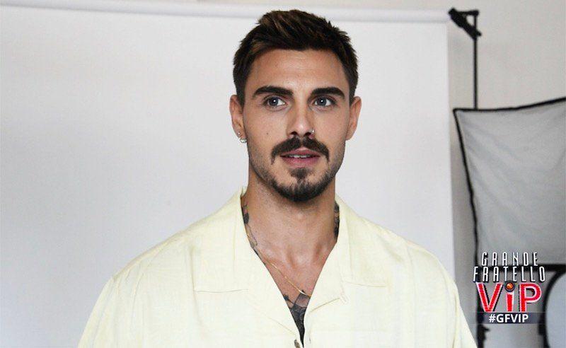 Grande Fratello Vip 2018, Francesco Monte rientra in casa dopo essere uscito per un controllo medico