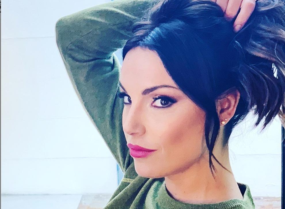 Francesca De André si sfoga su Instagram: la rabbia dei follower. Ma il nuovo fidanzato Gennaro Lillio risponde