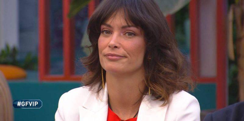 Grande Fratello Vip, Fernanda Lessa sta male e lascia la Casa: le sue condizioni di salute