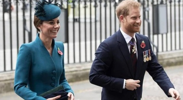 Meghan Markle, il principe Carlo si schiera con Kate Middleton e punisce Harry