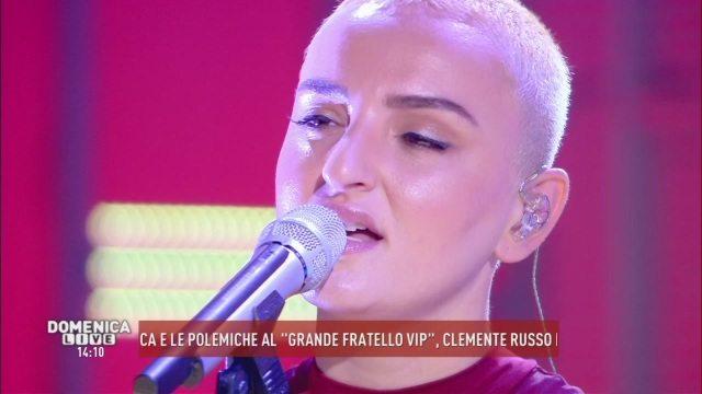 """Domenica Live, ecco il nuovo pezzo di Arisa: """"Ho perso il mio amore"""""""