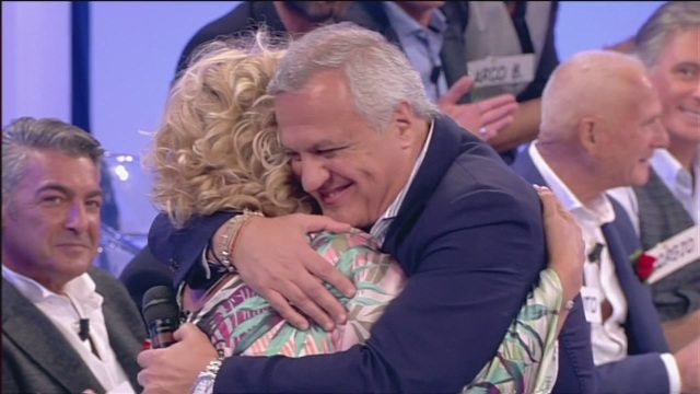 Sorpresa romantica per Tina Cipollari: dagli States arriva il suo ex David