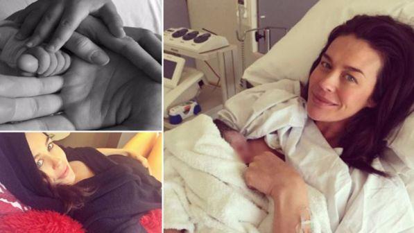 Megan Gale mamma bis, eccola mentre allatta la sua bimba