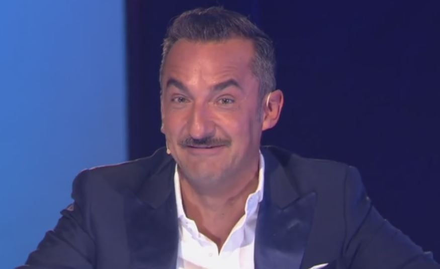 """Nicola Savino choc a """"Verissimo"""": «Mi hanno tagliato un dito per sbaglio»"""