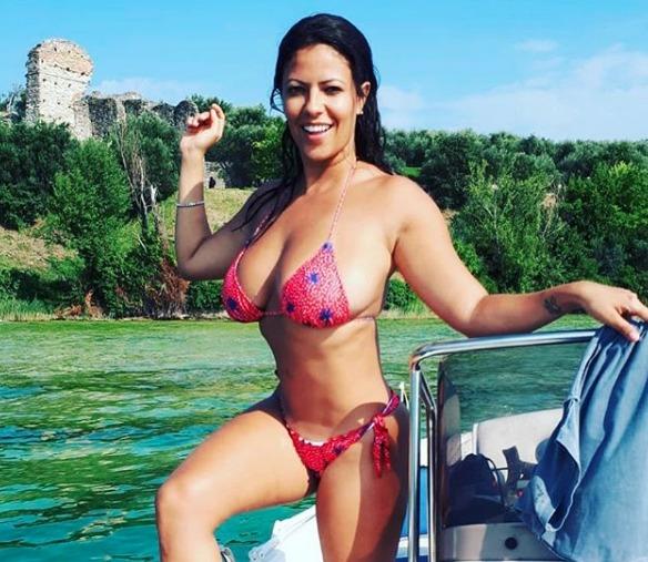 Fabiana Britto senza freni a Pomeriggio 5: «Non sono volgare, Justin Matera aveva la pat*** di fuori»