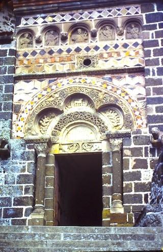 in Alvernia: un altro romanico