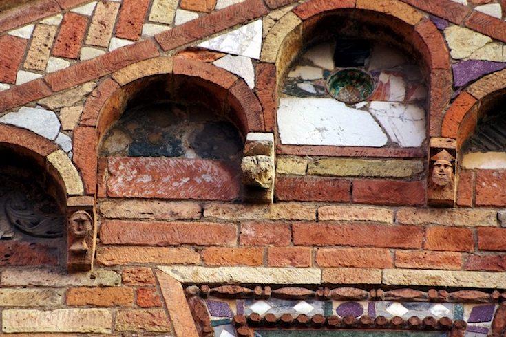 a Bologna 3: dalla Gerusalemme a... l'Isola di Pasqua ?